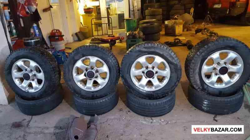 alu kola offroad 6x139,7 7jx16 et38 pneu vranik 98 (1/3)