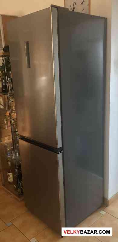 Volně stojící lednička Hisense RB400N4FC2 (1/2)