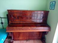 Nádherné starožitné pianino z roku 1850