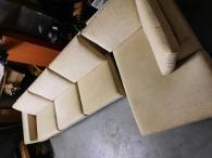 Béžový gauč do tvaru L